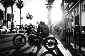 black_and_white_motorbike_motorcycle_transportation_man-1410738.jpg!d